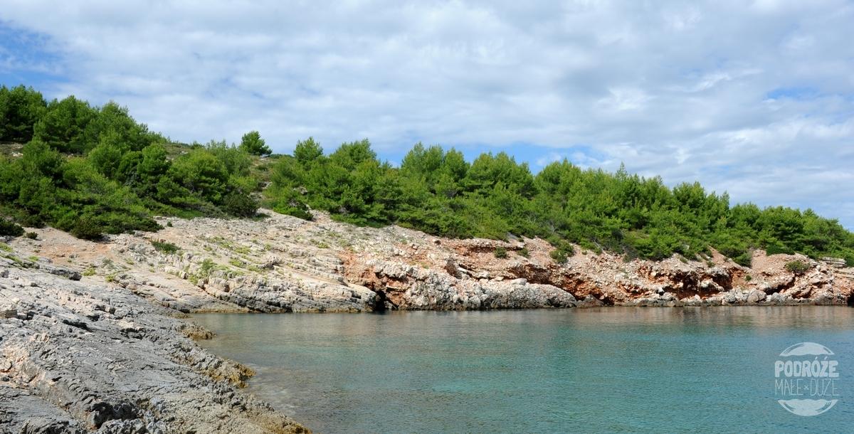 wyspa Hvar dzika plaża