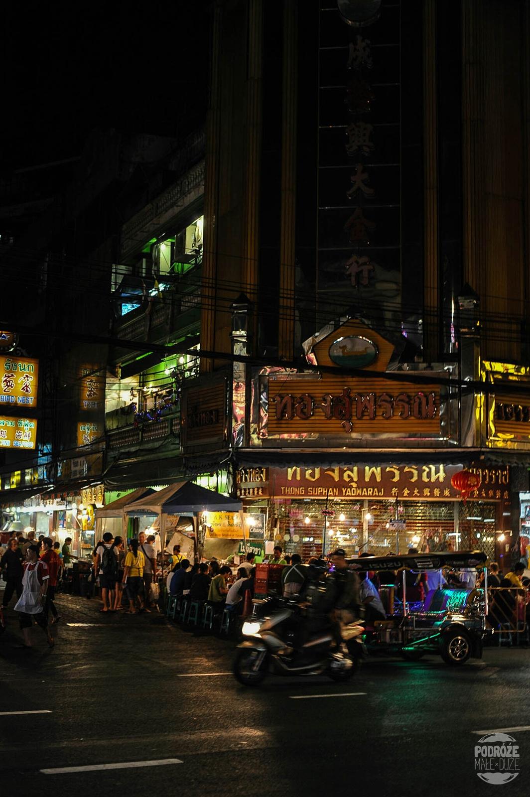 Bangkok. Dzielnica China Town. Tajlandia podczas podróży Azja z plecakiem.