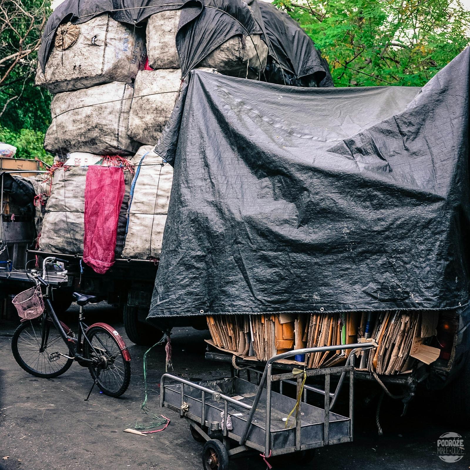 Ulice BAngkoku. China Town. Tajlandia podczas podróży Azja z plecakiem.