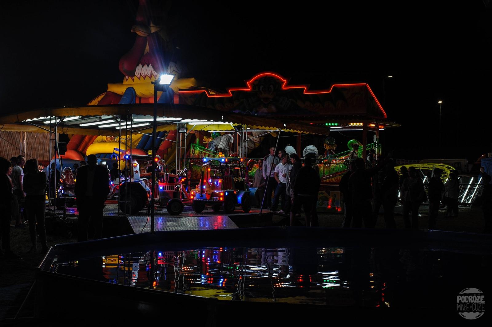 Serbia festiwal trąb w Guca wesołe miasteczko