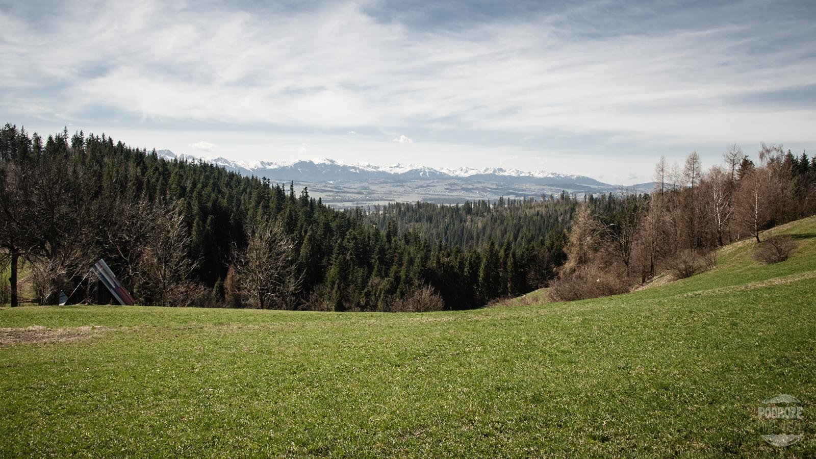 Gorce widok z szlaku na Turbacz. Zarębek Niźny.