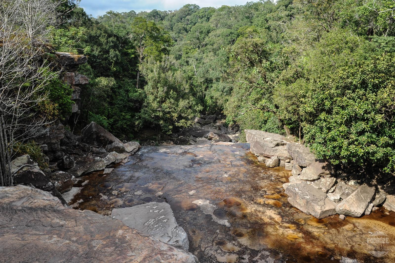 wodospad Popkvil bokor hill station w kambodzy obok kampot