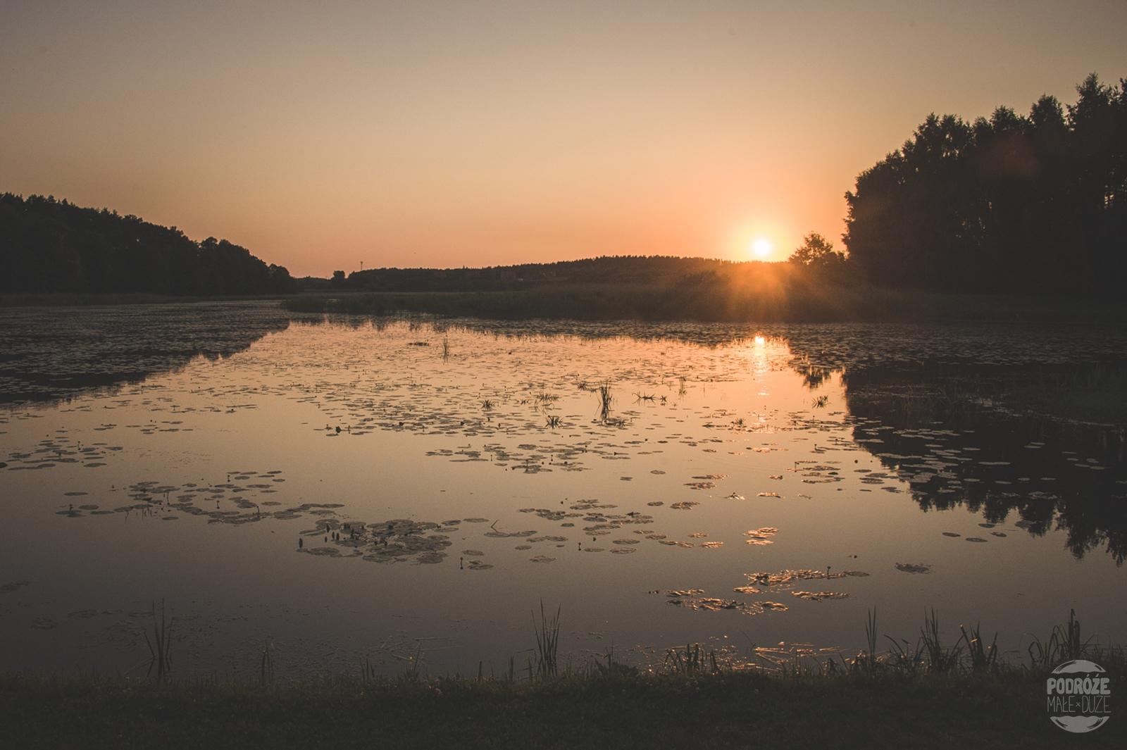 Warmia i Mazury Warmińska Winnic zachód słońcaa