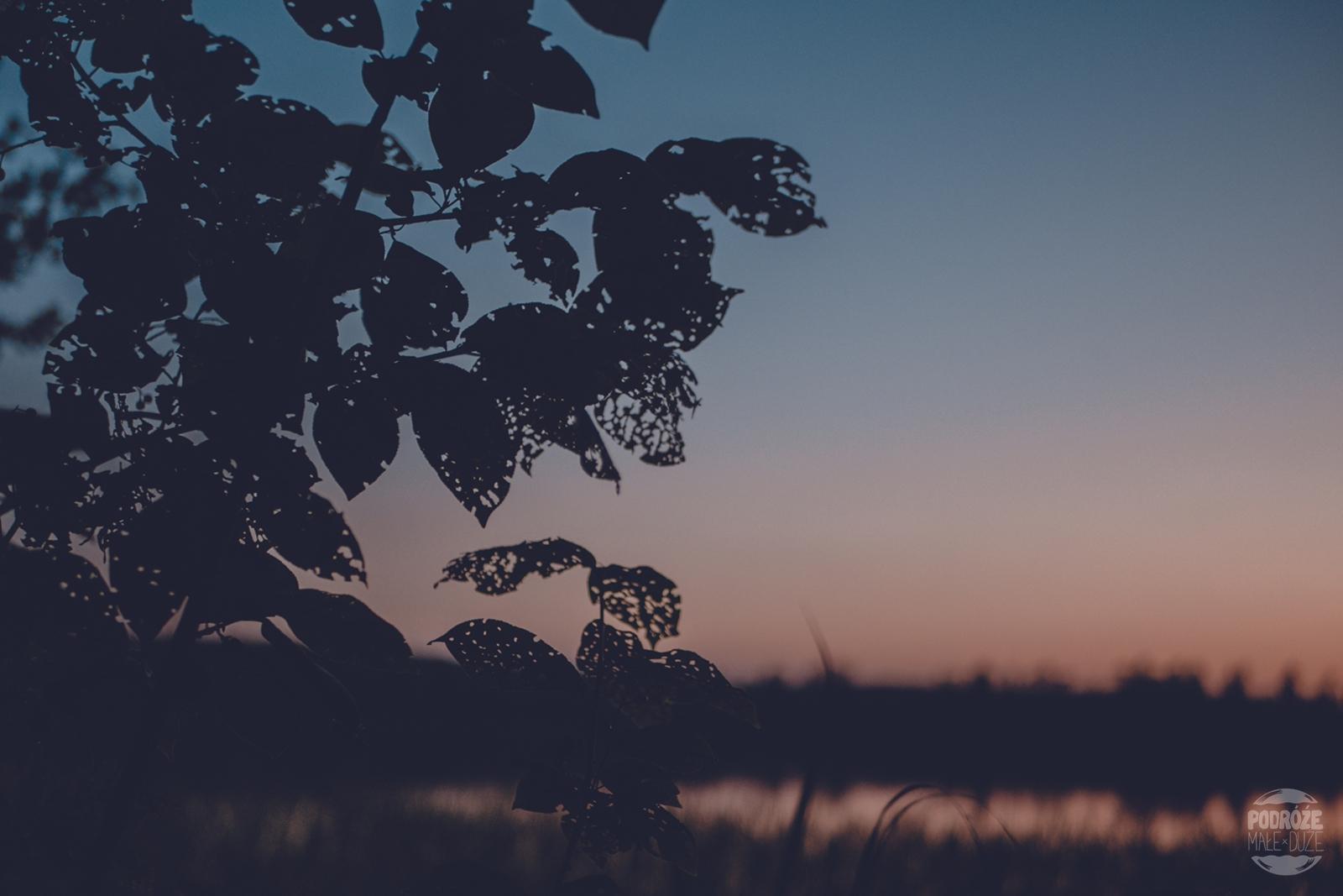 Warmia i Mazury jezioro Serwent zachód słońca